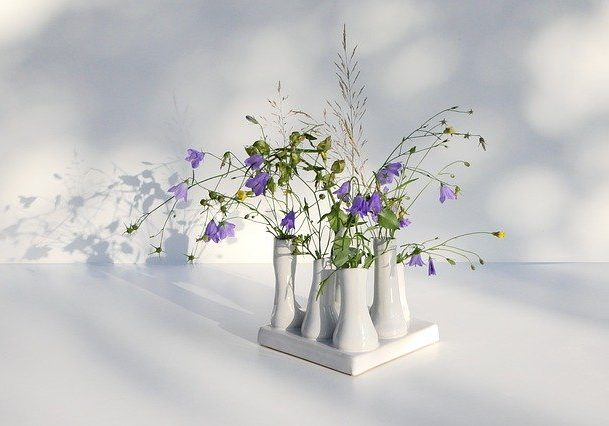 delicate-flower-arrangement-4410990_640